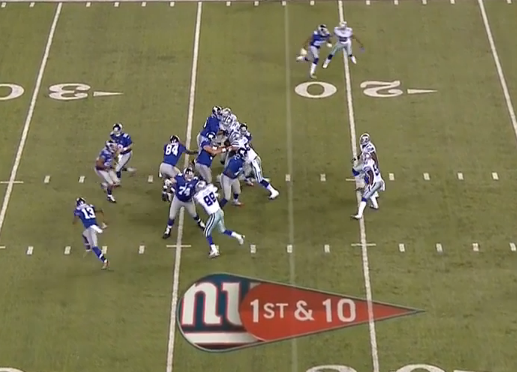 Eli fakes end around to Beckham, again drawing defense's attention...