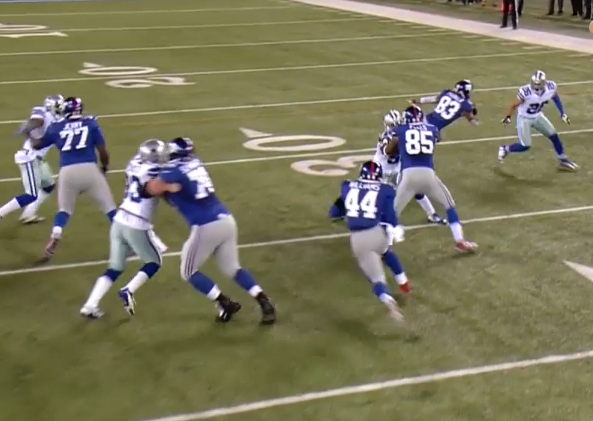One of the few big holes for the Giants' backs...this was a well-blocked play