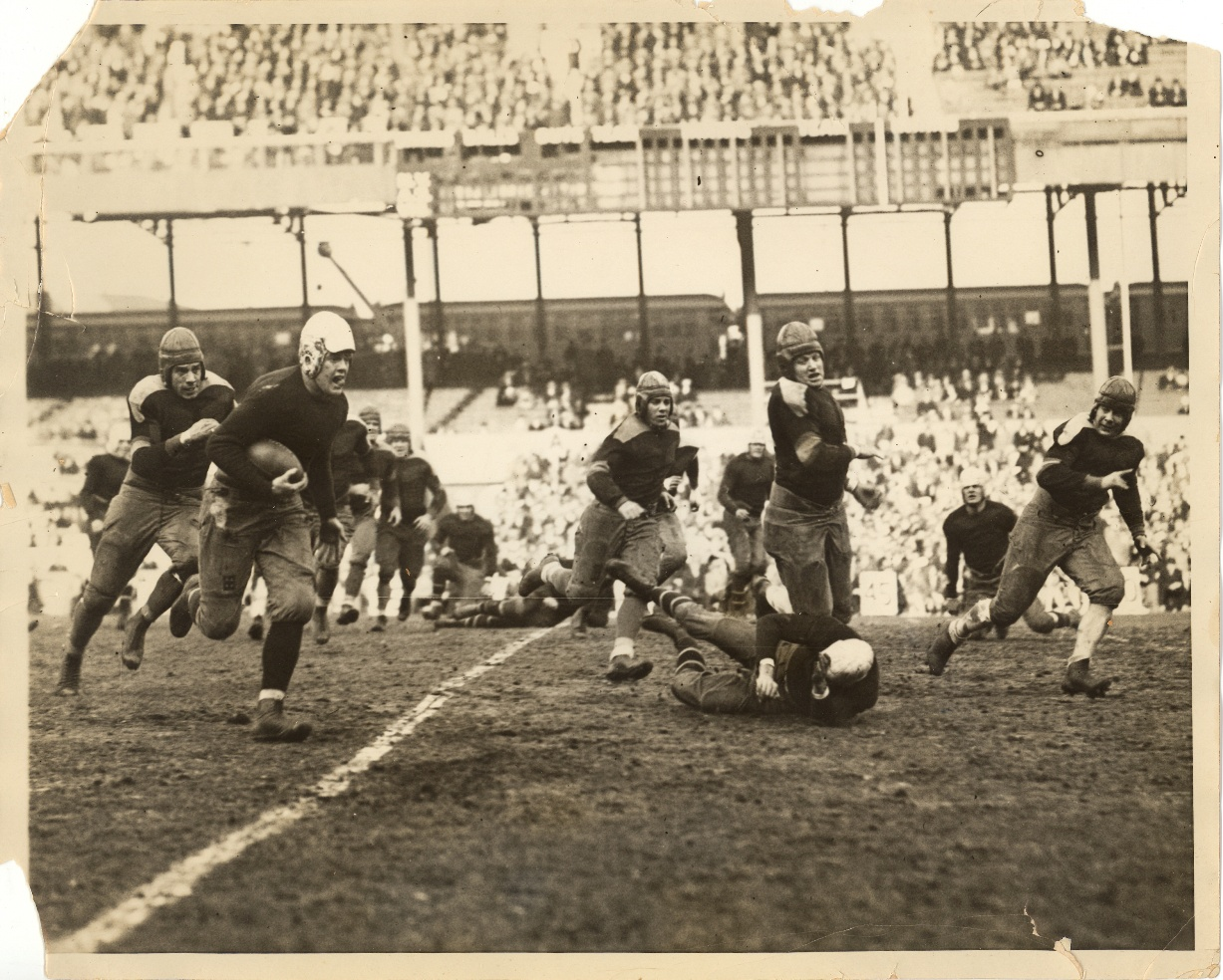 Bruce Caldwell (with ball), New York Giants (December 2, 1928)