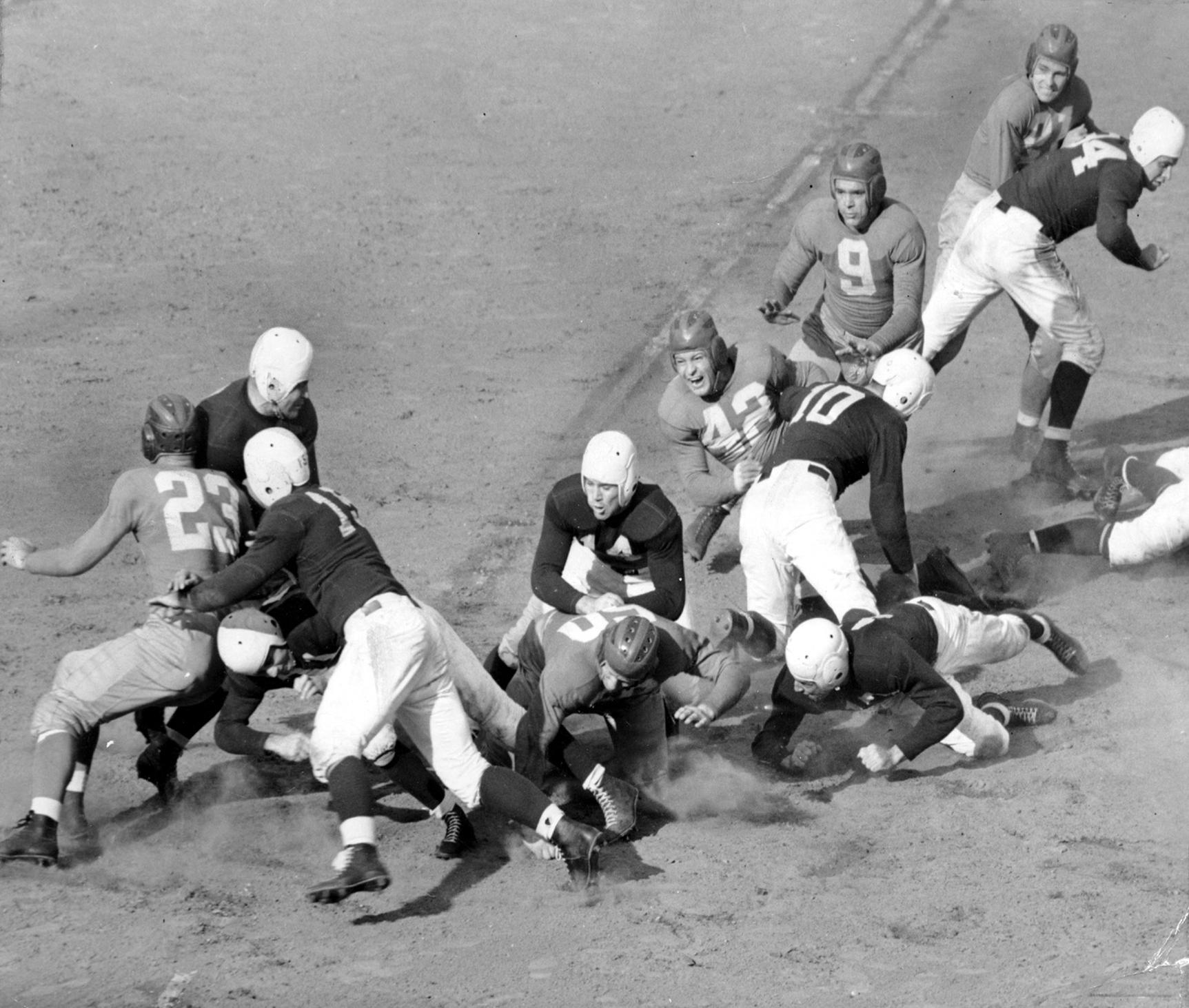 New York Giants at Philadelphia Eagles (September 13, 1941)