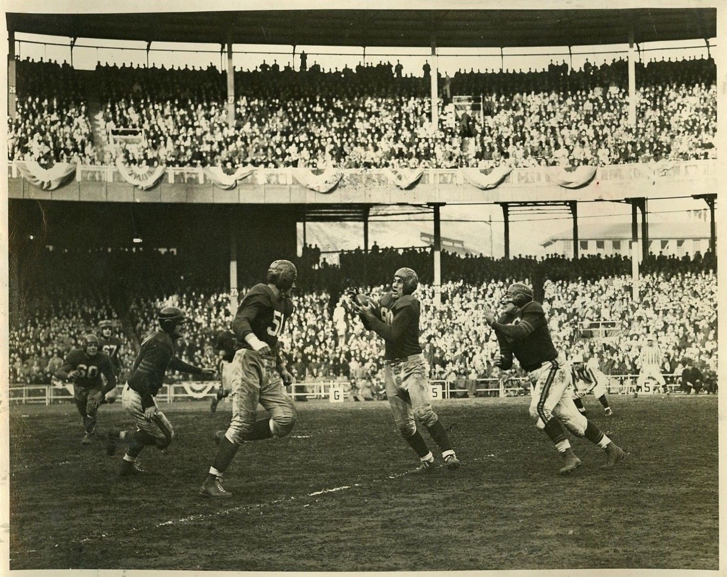Chester Gladchuck and Jim Poole, New York Giants (December 14, 1946)
