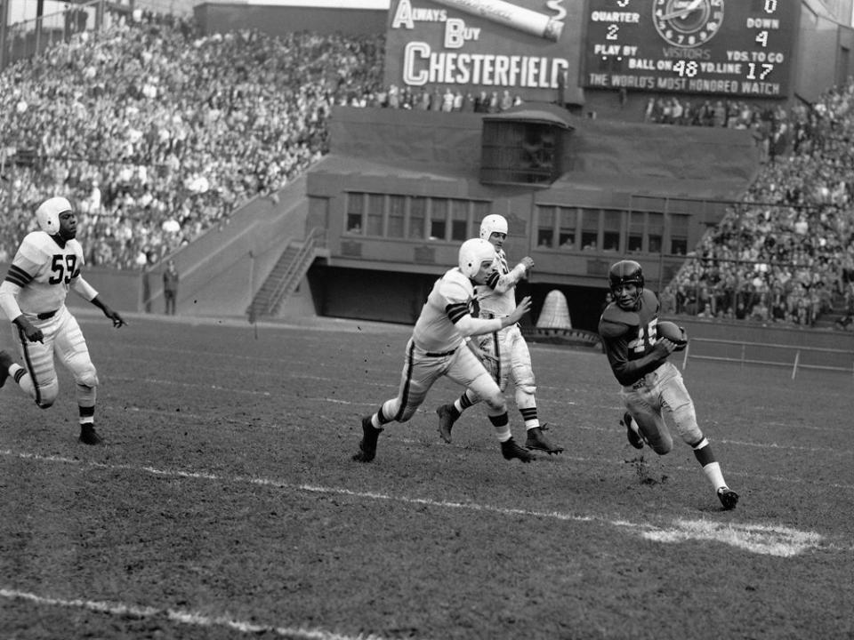 Emlen Tunnell (45), New York Giants (November 18, 1951)