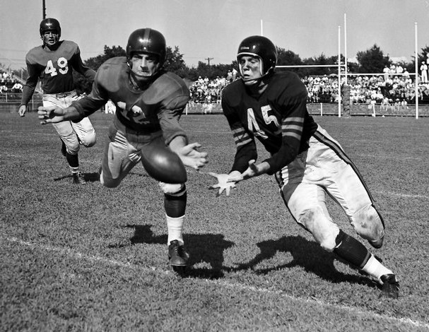 Tom Landry (49), New York Giants vs. Chicago Bears, 1951 Preseason