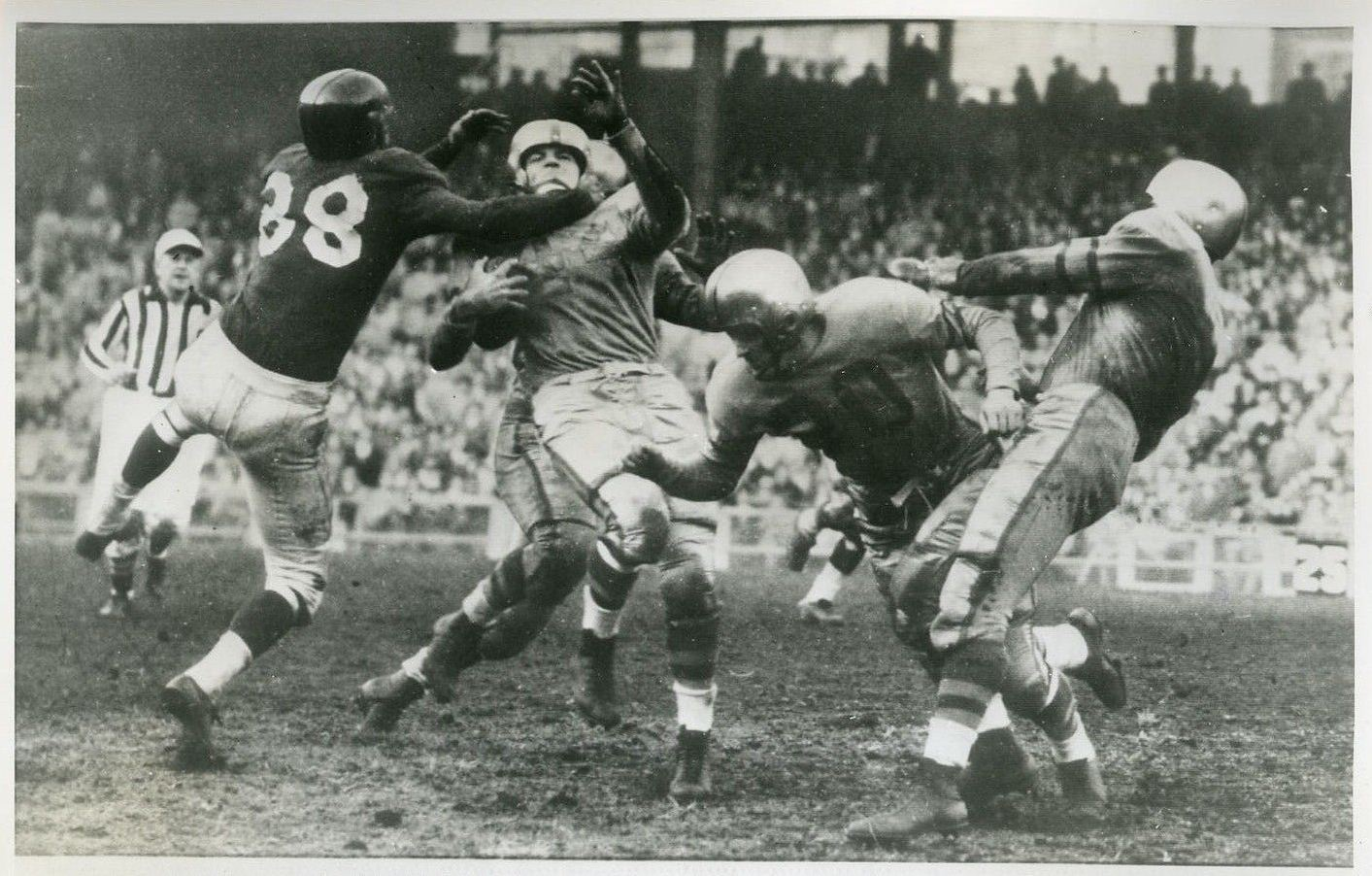 Don Menasco (38), New York Giants (November 16,1952)