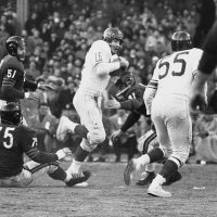 Frank Gifford (16), Ray Wietecha (55), New York Giants, 1956 NFL Championship Game (December 30, 1956)