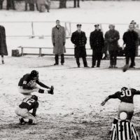 Pat Summerall (88) and Charlie Conerly (42), New York Giants (December 14, 1958)
