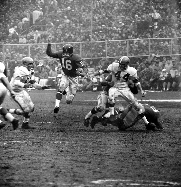 Frank Gifford (16), New York Giants (December 6, 1959)