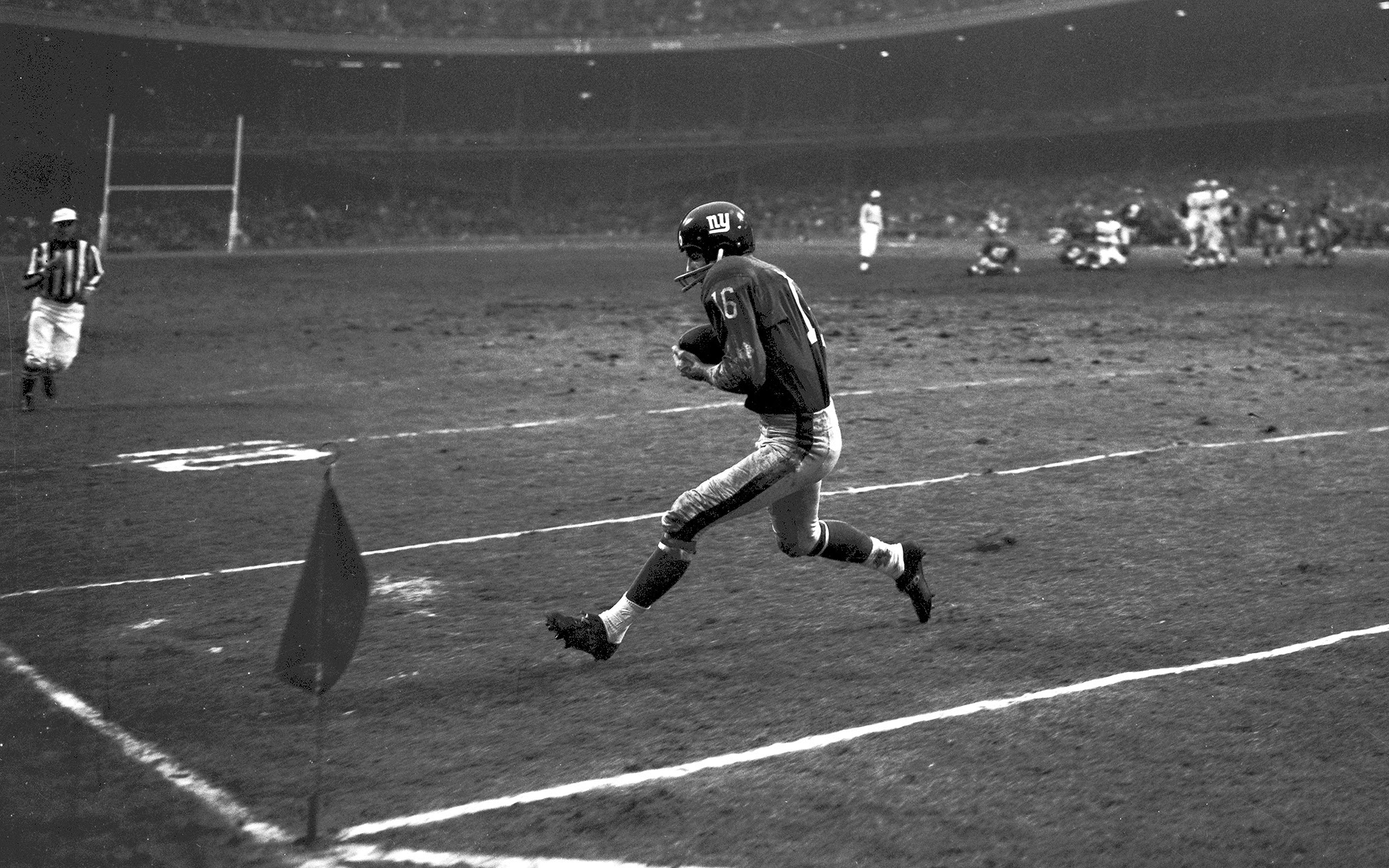 Frank Gifford, Cleveland Browns at New York Giants (December 9, 1962)
