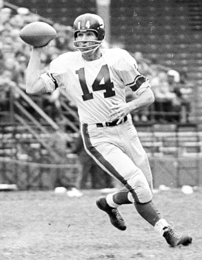 Y.A. Tittle, New York Giants at St. Louis Cardinals (November 3, 1963)