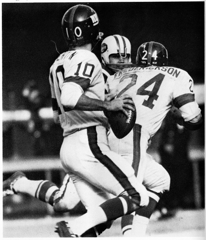 Fran Tarkenton and Tucker Frederickson, New York Giants (November 1, 1970)