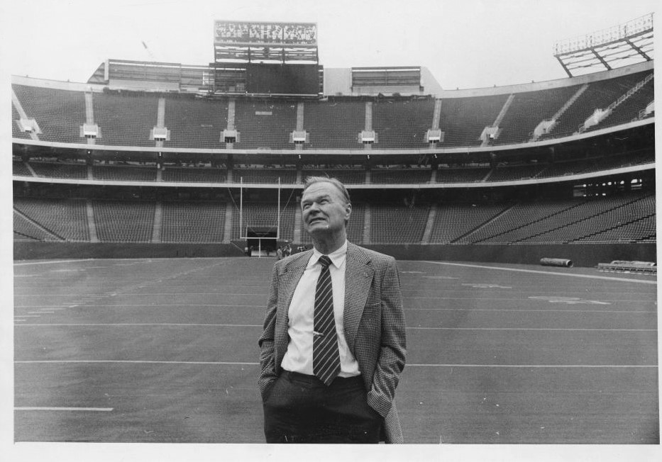 Wellington Mara, Giants Stadium (1976)