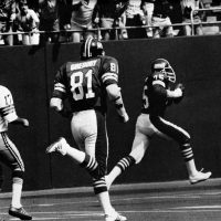 Jack Gregory and George Martin, New York Giants (September 18, 1977)