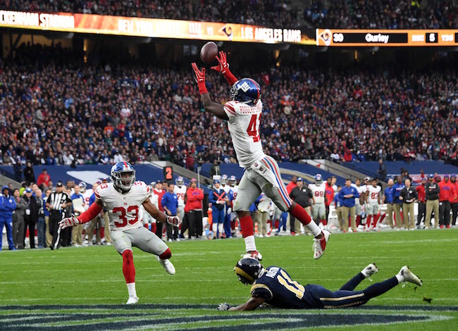 New York Giants 17 - Los Angeles Rams 10