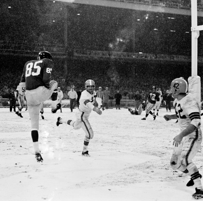 Bob Schnelker (85), New York Giants (December 14, 1958)