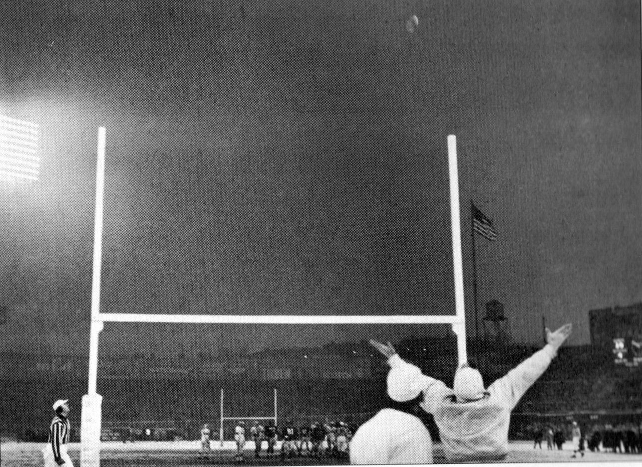 Pat Summerall's Field Goal is Good, Cleveland Browns at New York Giants (December 14, 1958)