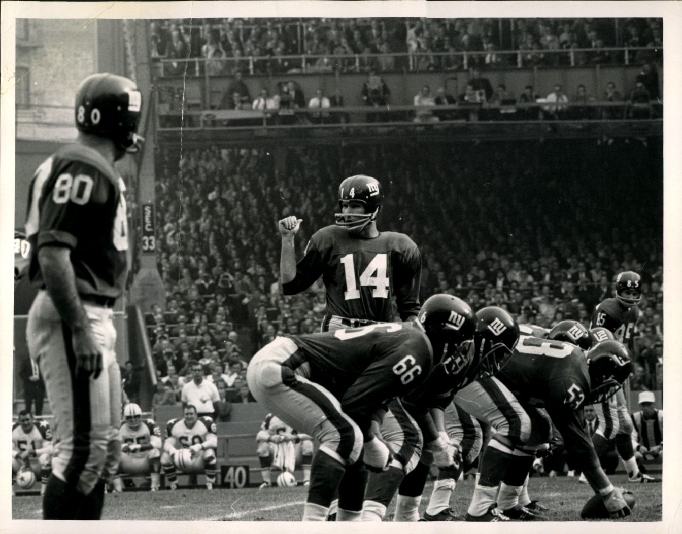 Y.A. Tittle (14), Dallas Cowboys at New York Giants (October 20, 1963)